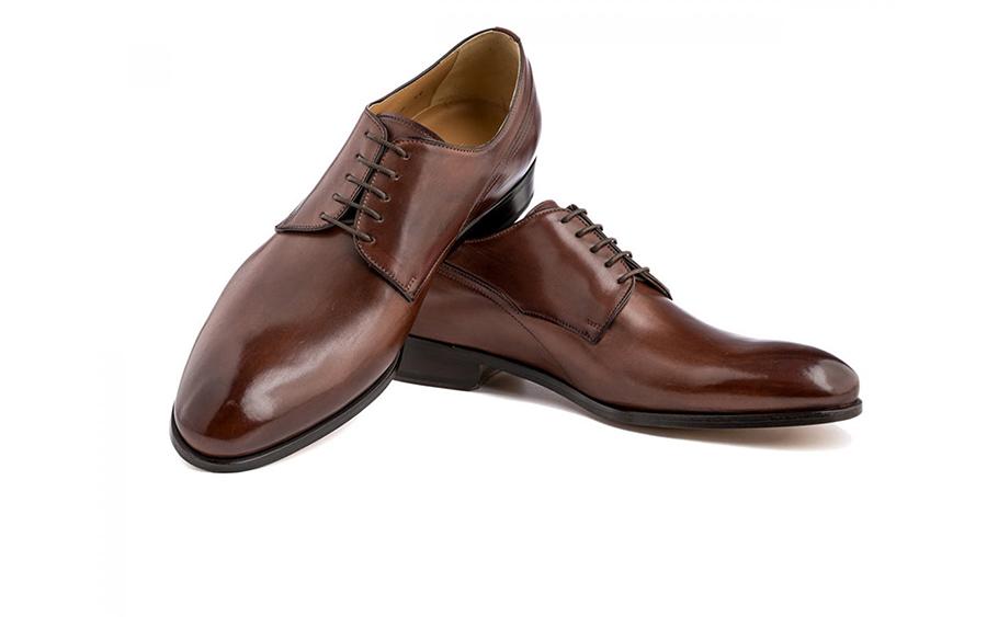 Giày Blucher hiện đại
